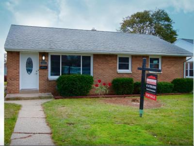 Photo of 3357 E Whittaker Ave, Cudahy, WI 53110
