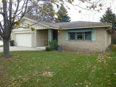 Photo of 901 Willow Ln, South Milwaukee, WI 53172