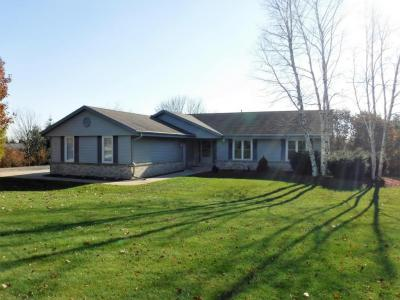 Photo of 2031 Hummingbird Dr, Jackson, WI 53037
