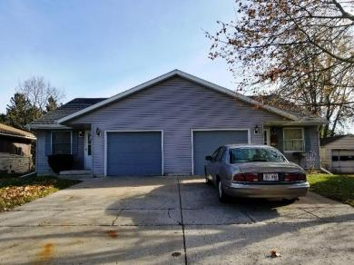 1005 N Water St, Watertown, WI 53098