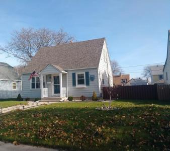 2368 S 65th St, West Allis, WI 53219