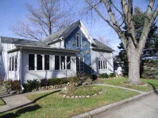 Photo of 227 Evergreen St, Dousman, WI 53118
