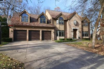 Photo of 4215 S Wilshire Dr, New Berlin, WI 53151