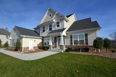 Photo of 11522 N Oakview Ct, Mequon, WI 53092