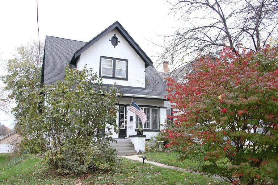 166 Grand Ave, Hartford, WI 53027