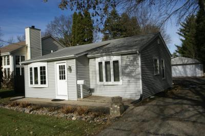 Photo of 520 W Lincoln St, Oconomowoc, WI 53066