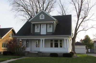 Photo of 823 Center Ave, Oostburg, WI 53070