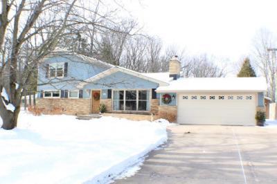 Photo of 1032 Woodland Rd, Kohler, WI 53044
