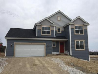 Photo of 759 Autumn Ridge Ln, Hartford, WI 53027