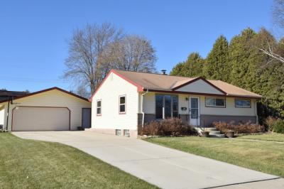 Photo of 903 4th Ave, Grafton, WI 53024