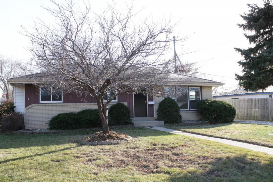 5618 S Nicholson Ave, Cudahy, WI 53110