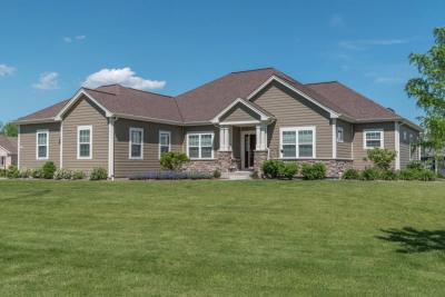 Photo of 7208 W River Birch Dr, Mequon, WI 53092
