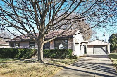 Photo of 2886 S 94th St, West Allis, WI 53227
