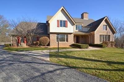 Photo of 1140 Briarcliff Trl, Brookfield, WI 53045