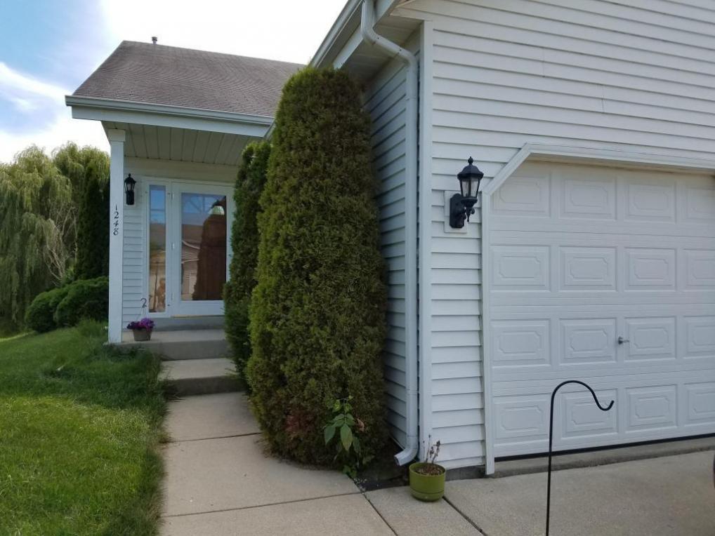 1246 Hillwood Blvd #1248, Pewaukee, WI 53072