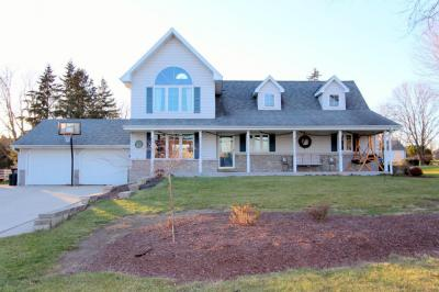 Photo of 4433 S 112th St, Greenfield, WI 53228