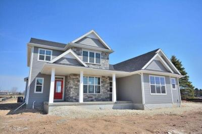 Photo of 7970 W Mourning Dove Ln, Mequon, WI 53092