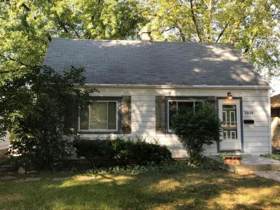 Photo of 2935 S 95th St, West Allis, WI 53227