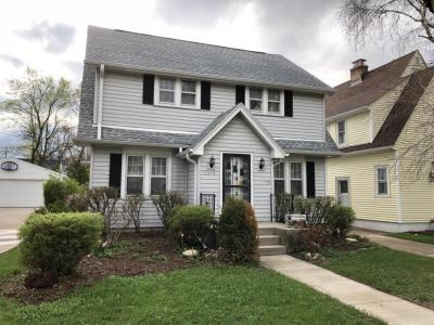 Photo of 5574 N Lydell Ave, Whitefish Bay, WI 53217