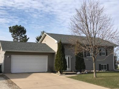 116 Eastown Manor Rd, Elkhorn, WI 53121