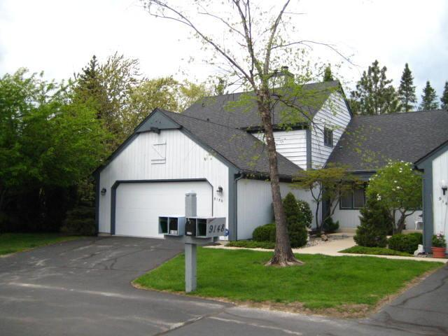 9156 N Sycamore Ct, Bayside, WI 53217
