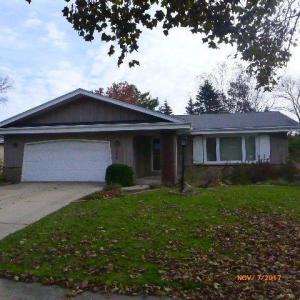 1809 Woodridge Rd, West Bend, WI 53095