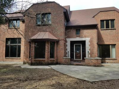 Photo of 9636 N Crestwood Ct, Mequon, WI 53092