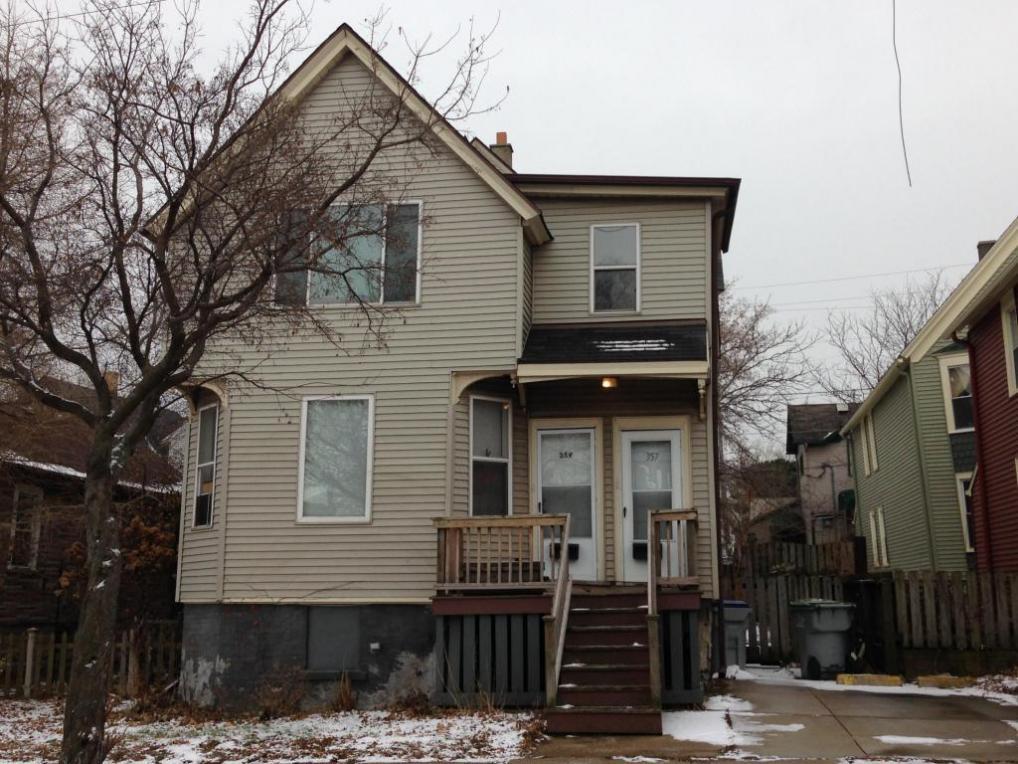 357 E Becher St #359, Milwaukee, WI 53207