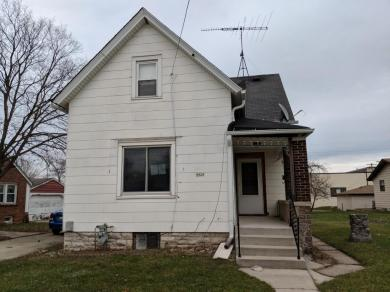 4424 S Nicholson Ave, St Francis, WI 53235