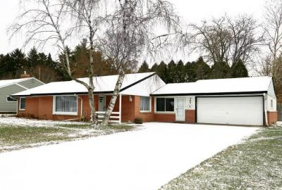 Photo of 307 Grand Ave, Thiensville, WI 53092