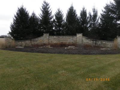 Photo of Lt40 Glen Abby Ct, Pewaukee, WI 53072