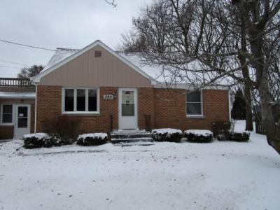 Photo of 723 Madison Ave, Howards Grove, WI 53083