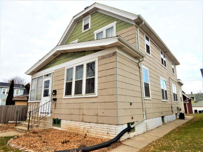 716 Sycamore Ave, South Milwaukee, WI 53172