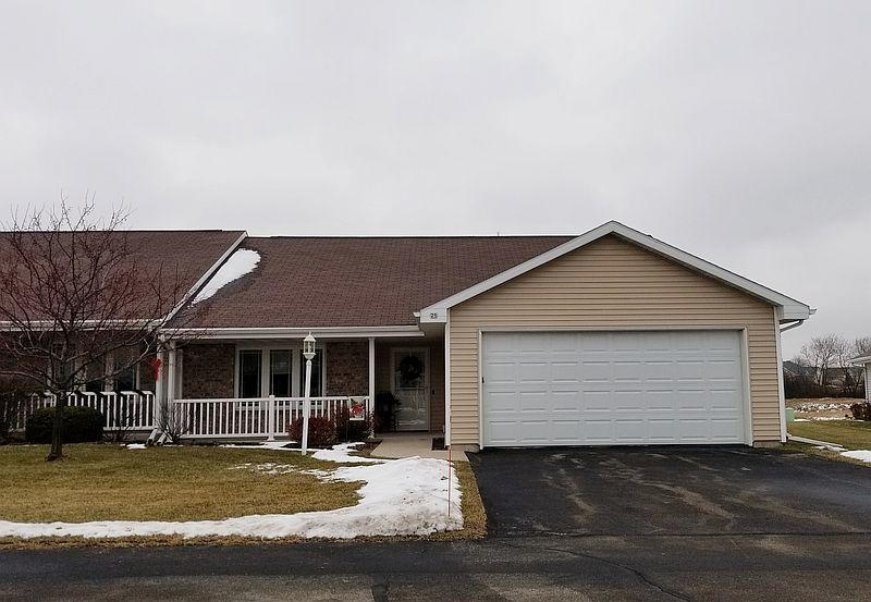 25 Kings Crest Ln, Fond Du Lac, WI 54935