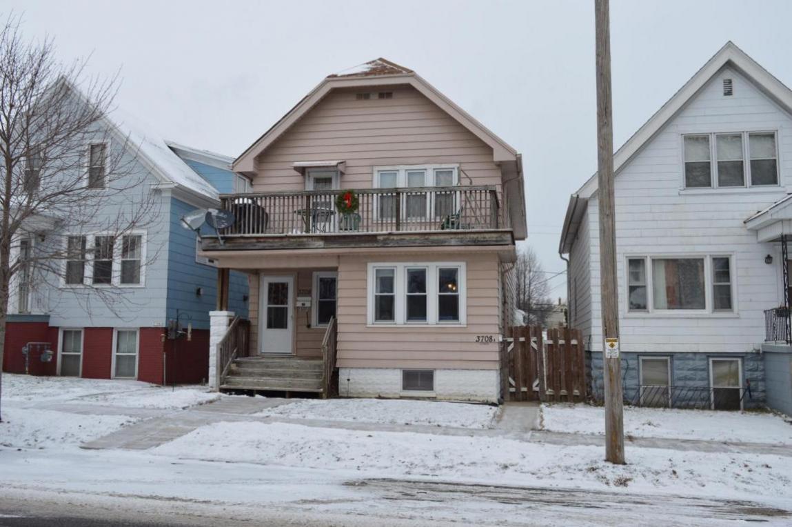 3708 E Barnard Ave, Cudahy, WI 53110
