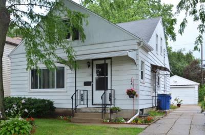 Photo of 5106 N Lydell Ave, Whitefish Bay, WI 53217