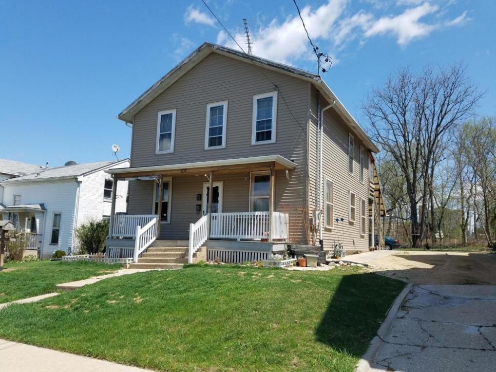 107 N Terrace St, Delavan, WI 53115