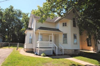 Photo of 829 E Main St, Waukesha, WI 53186