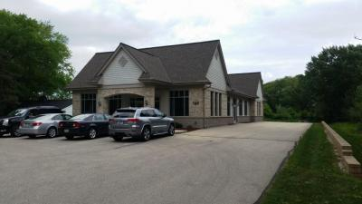 Photo of 749 W Wisconsin Ave, Pewaukee, WI 53072