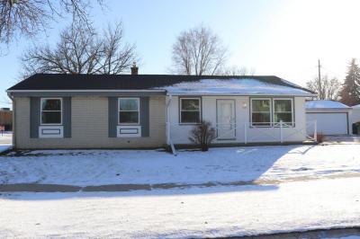 Photo of 2207 W Lindenwood Ave, Oak Creek, WI 53154