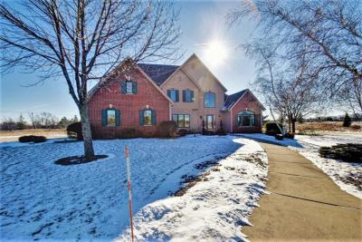 Photo of 1740 Creekridge Ct, Cedarburg, WI 53012