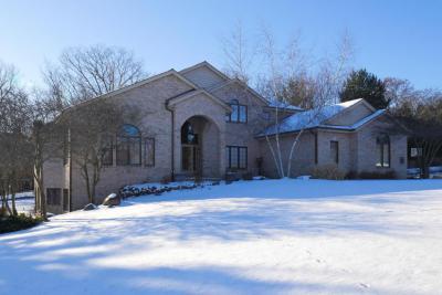 Photo of N17W30711 N Woodland Hill Dr, Delafield, WI 53018