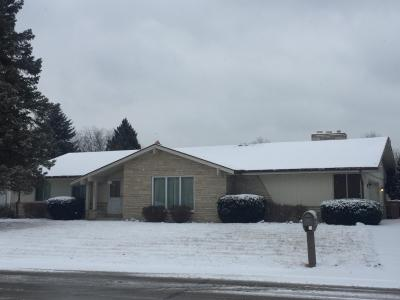 Photo of 7220 N Wayside Dr, Glendale, WI 53209