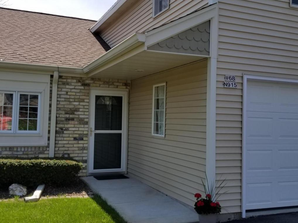 W68N915 Washington Ave, Cedarburg, WI 53012