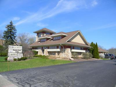Photo of 1550 W Mequon Rd, Mequon, WI 53092