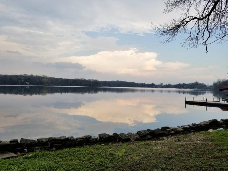 4866 W Lake Ln, Richfield, WI 53017