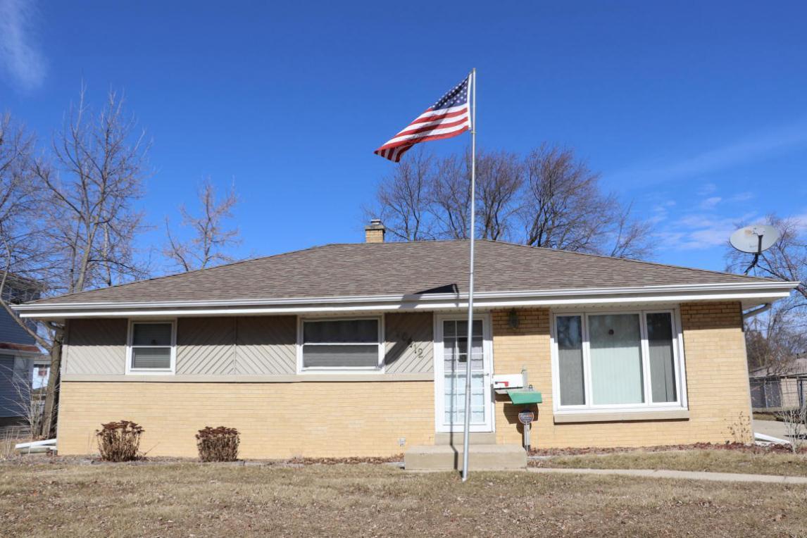 10412 W Caldwell Ave, Milwaukee, WI 53225