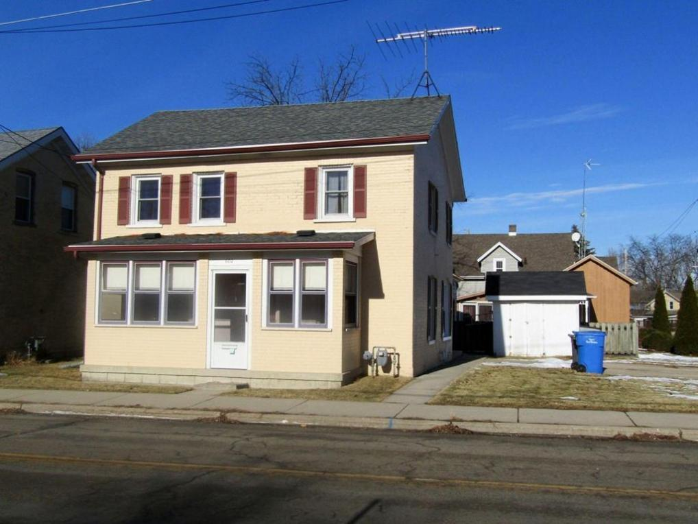 602 E Division St, Watertown, WI 53098