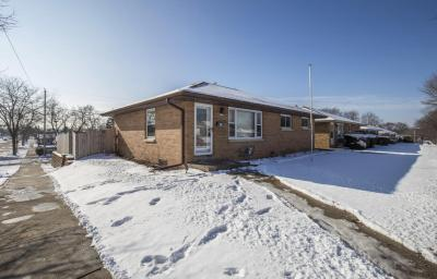 Photo of 3377 E Whittaker Ave, Cudahy, WI 53110