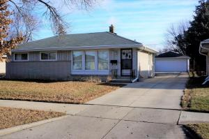 6532 N 89th St, Milwaukee, WI 53224